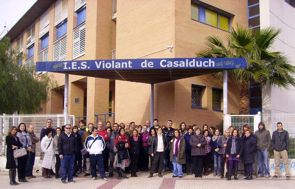 Concentració contra les retallades en serveis públics 13/02/2012