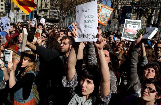 Intifilla. Protesta en la primera mascletà. València 1/03/2012