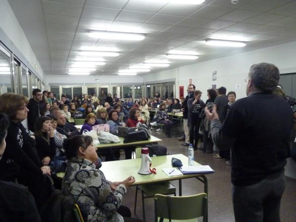 Tancament contra les retallades i els impagaments. IES Josep Iborra. Benissa. Marina Alta. 20/02/2012