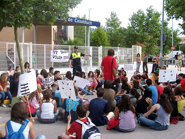 Estudiants protesten per la concertació del batxillerat 2008