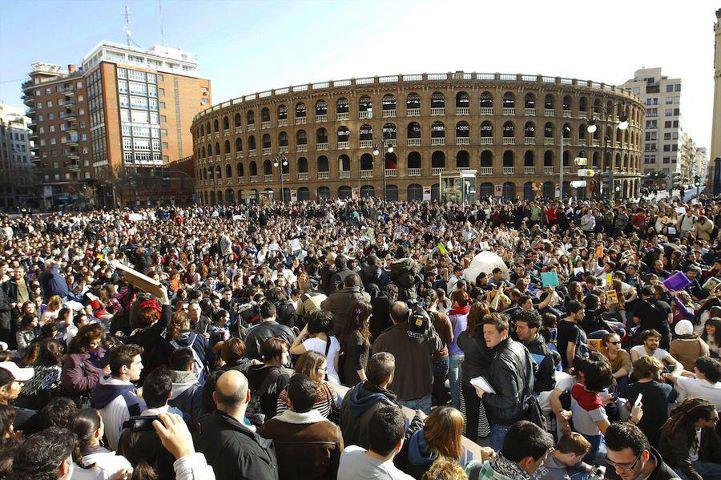 Míting a la plaça de bous de València per explicar quines són les retallades